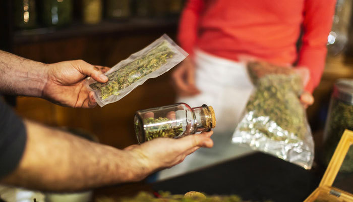 Best Practices for Serving Medical Marijuana Card Holders